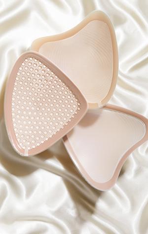 protesetilpasning hos svaneklinik til kvinder opereret for brystkræft