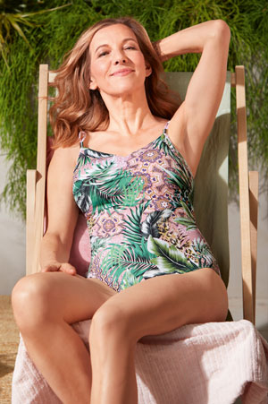 Badetøj til brystkræftopererede kvinder med brystprotese
